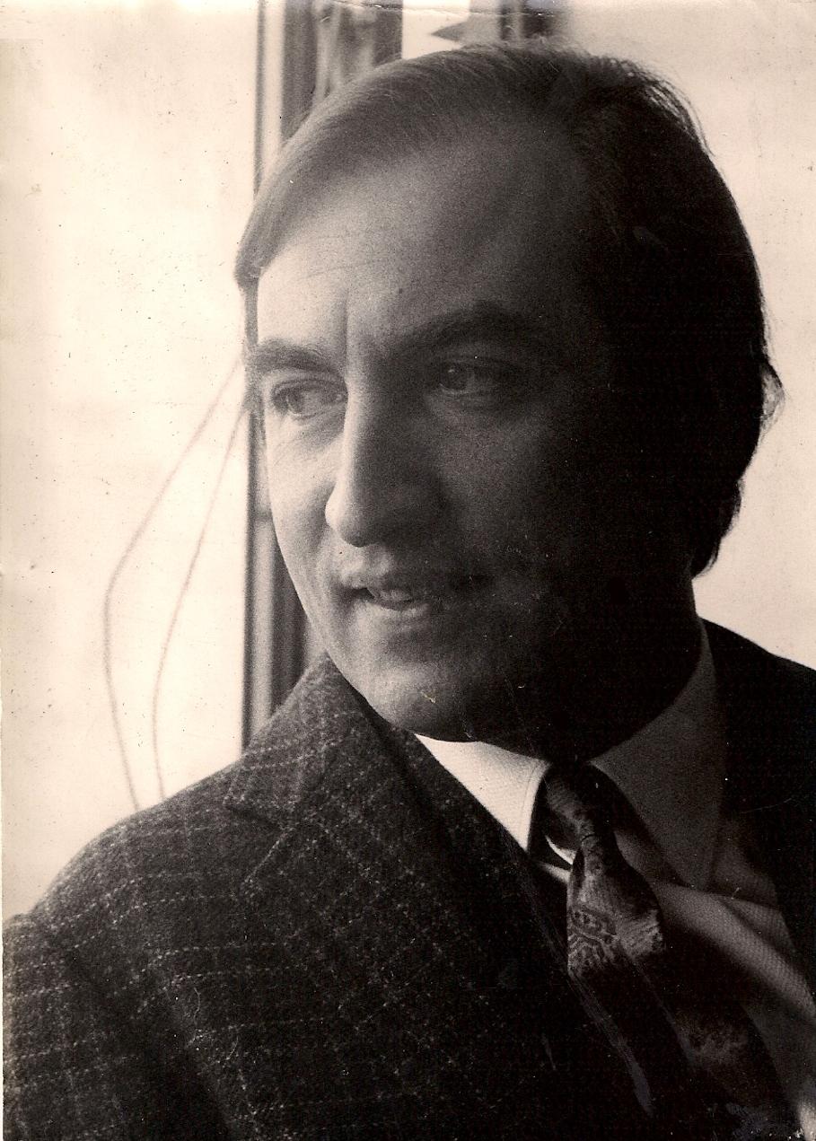TOMAS ELOY MARTINEZ